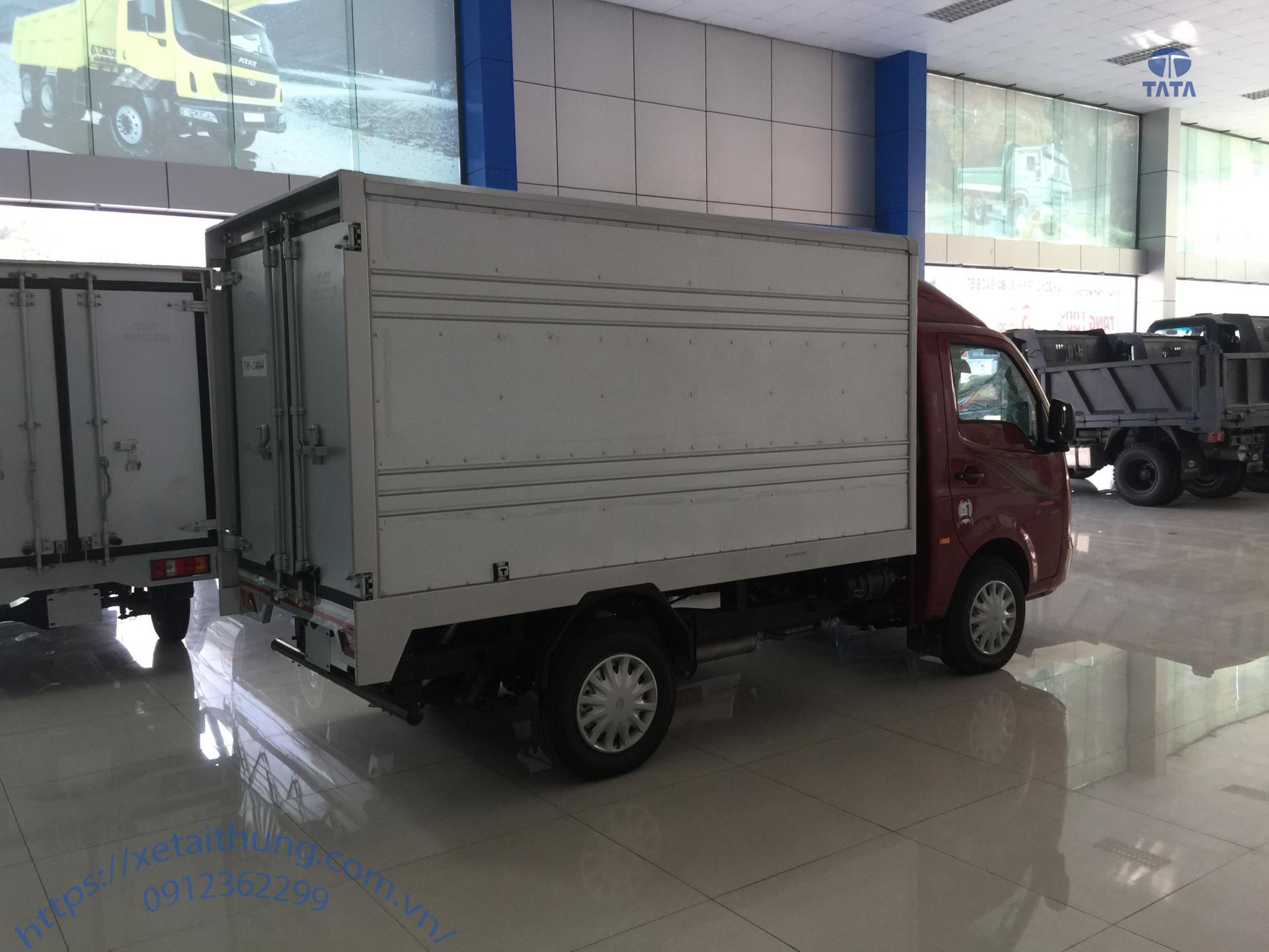 xe tải 1 tấn tata thùng kín 2